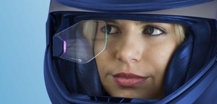Kask motocyklowy z technologią HUD od BMW