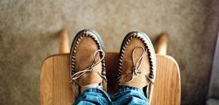 Płaskie buty do auta