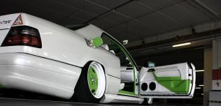 Mercedes-Benz W124 CE 300