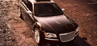 Chrysler 300 Luxury Series Sedan