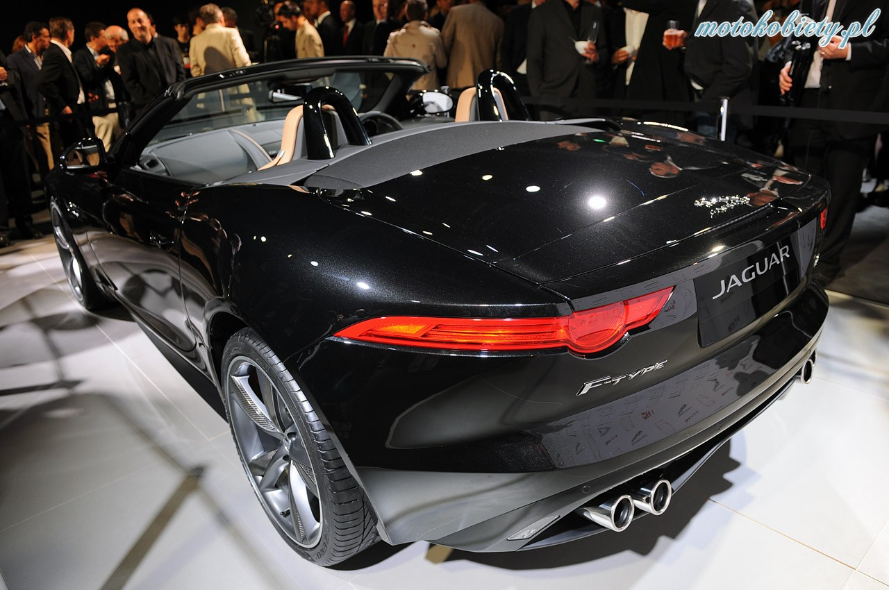 jaguar f type paris 2012 20. Black Bedroom Furniture Sets. Home Design Ideas