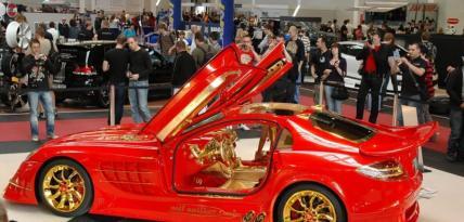 Złoty McLaren SLR 999