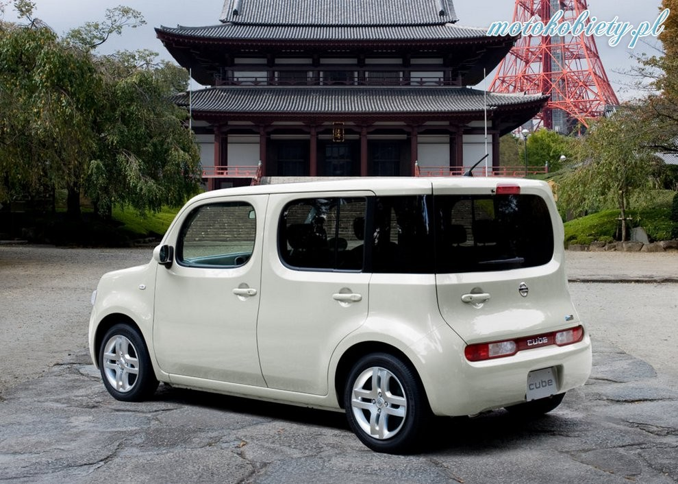 nissan cube 03. Black Bedroom Furniture Sets. Home Design Ideas